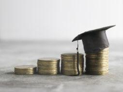 Modo fullgás: a educação financeira e os lucros enquanto diversão