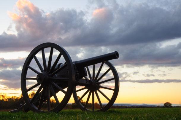 Ao som dos canhões